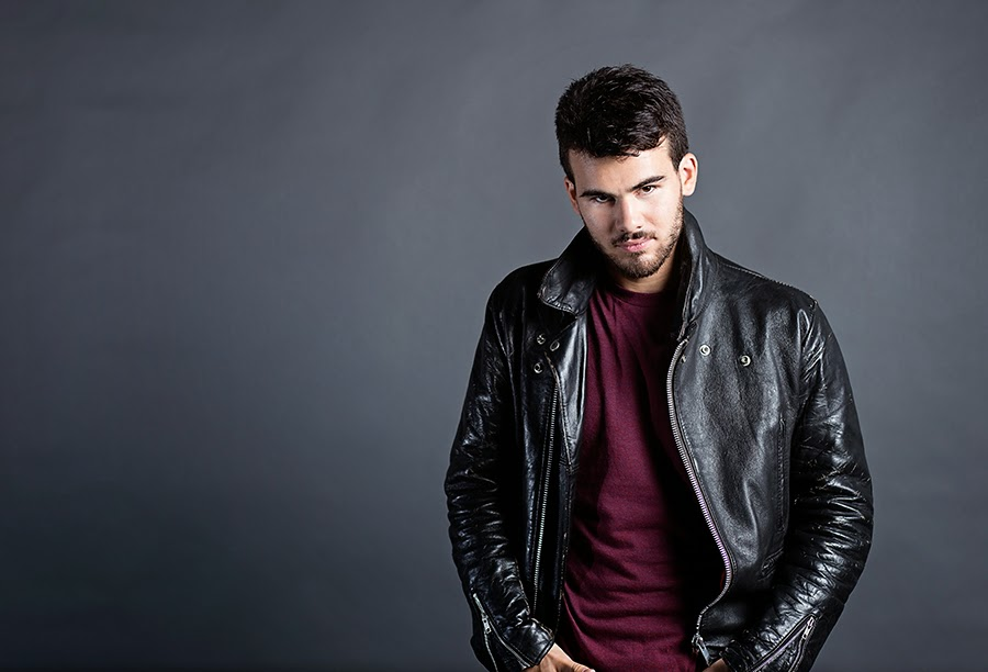 mens-actor-headshot-toronto-photographer